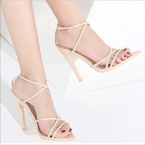 💥MEGA SALE💥Nude Strappy Pointed Toe Heels